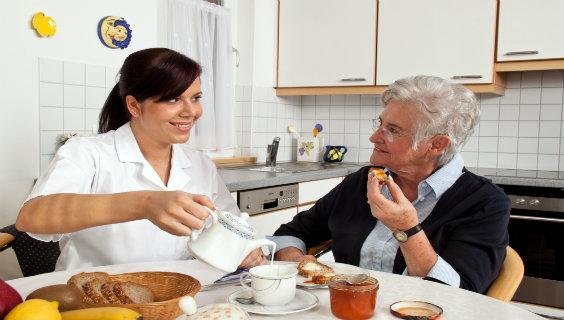 Her sikrer ældre-milliarden nye job | FOA